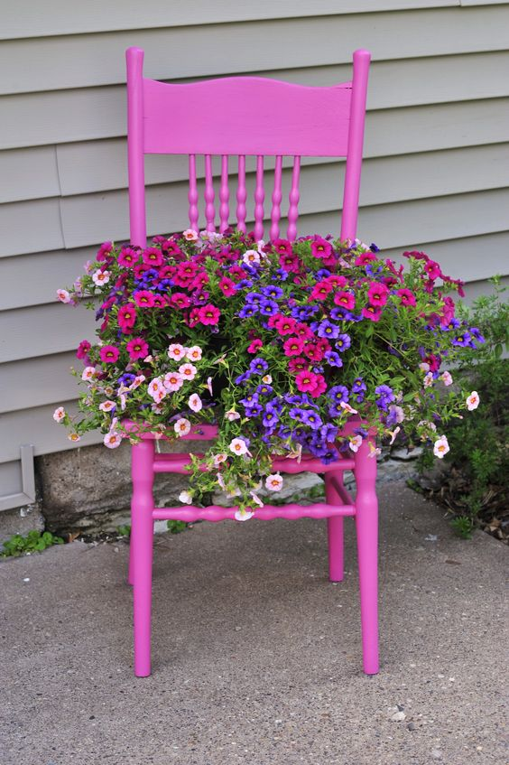 Brilliant Ideas For Recycling Old Chairs Into Amazing Diy