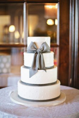 Amazing Wedding Cakes Wednesday  Our Roundup of Beautiful Wedding     Source  http   www colincowieweddings com wedding photos detail image246375