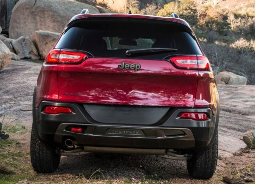 The Rear End Of The 2014 Jeep Cherokee Trailhawk Torque News