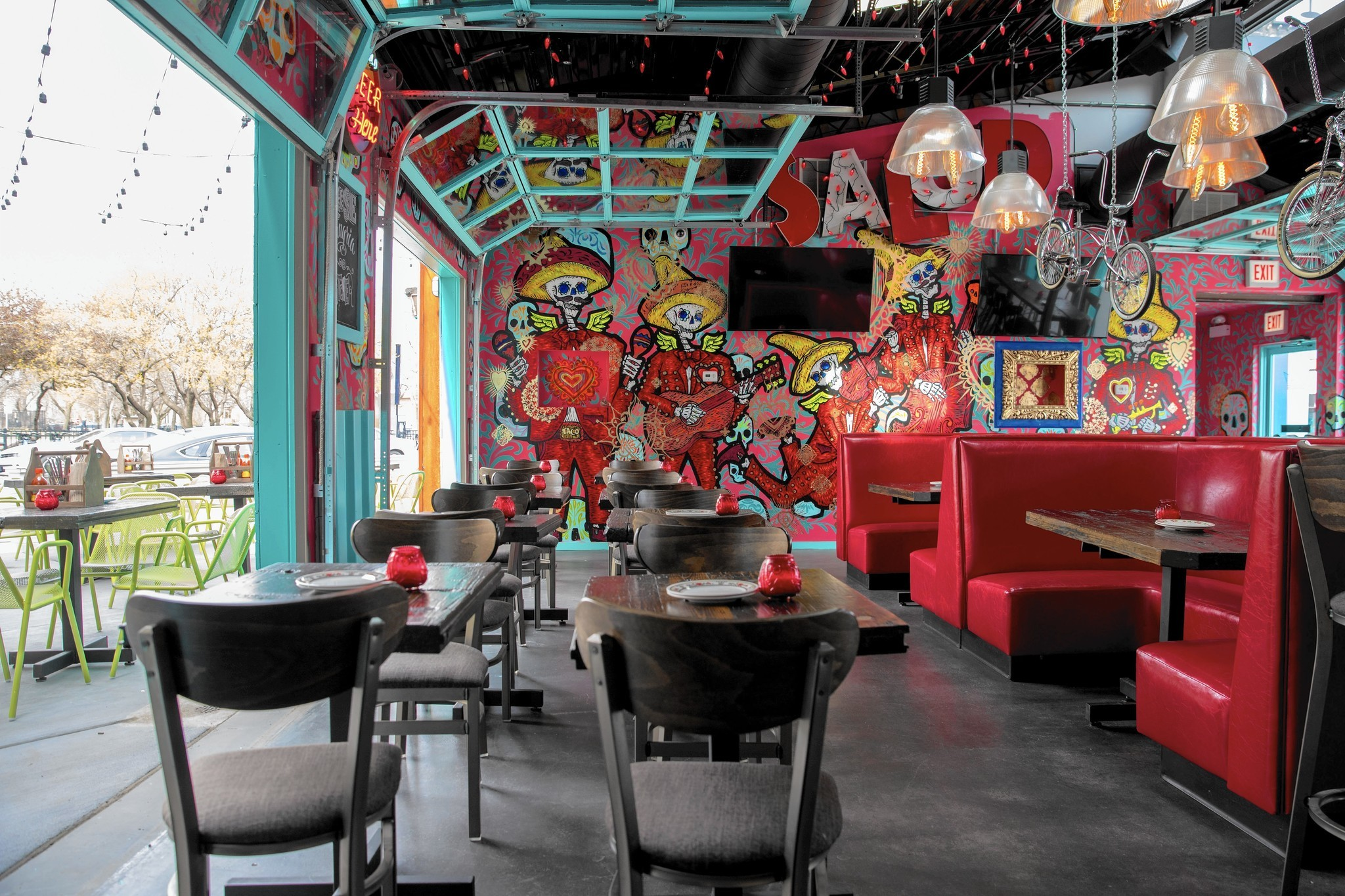 Broken English Taco Pub Opens In Lincoln Park With
