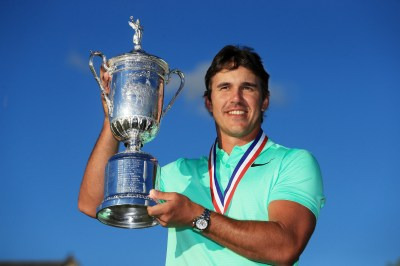 Brooks Koepka surges late to win U.S. Open, first major ...