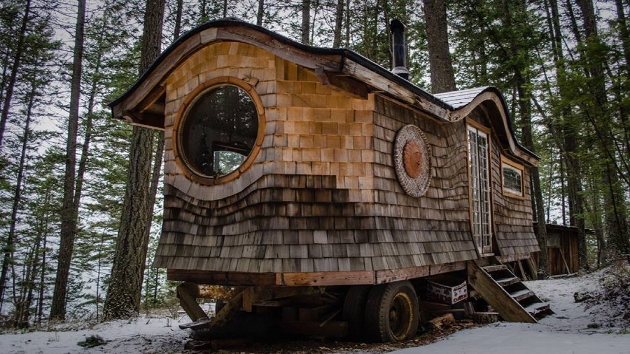 Living In A Gypsy Wagon Gypsy Wagon Tiny House Large Tiny