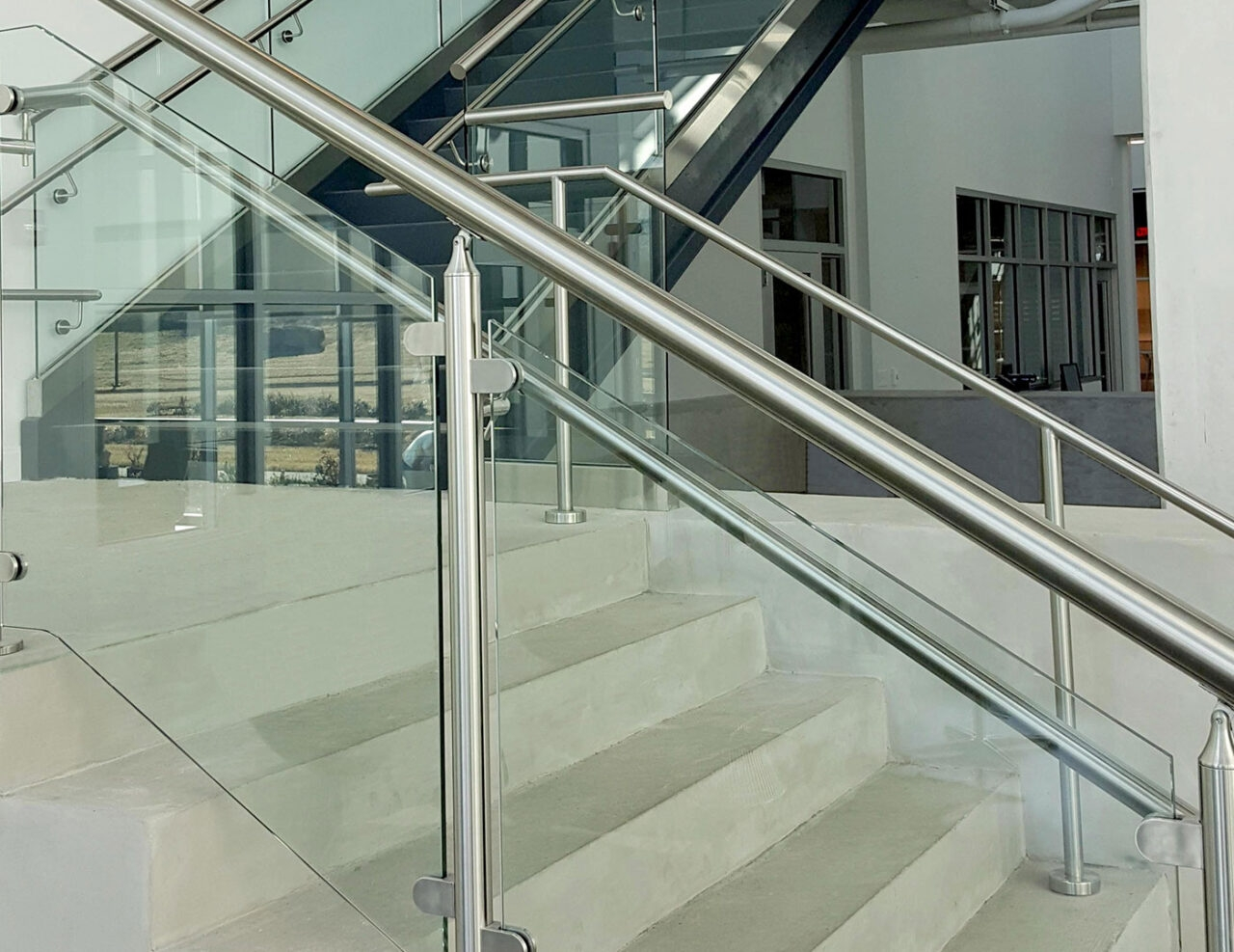 Monaco Post Supported Glass Railing Trex Commercial Products | Stainless Steel Handrail With Glass | Balustrade | Steel Railing | Price | Aged Polished Steel | Wood