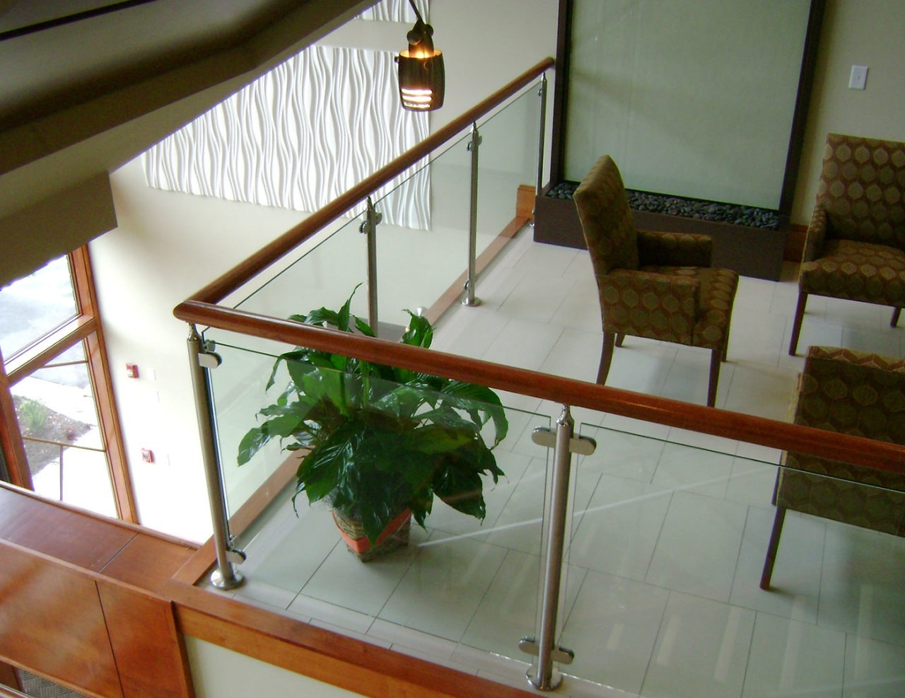 Monaco Post Supported Glass Railing Trex Commercial Products | Wooden Stair Railing With Glass | Custom | Balcony Wooden | Detail | Oak | Wood Treads