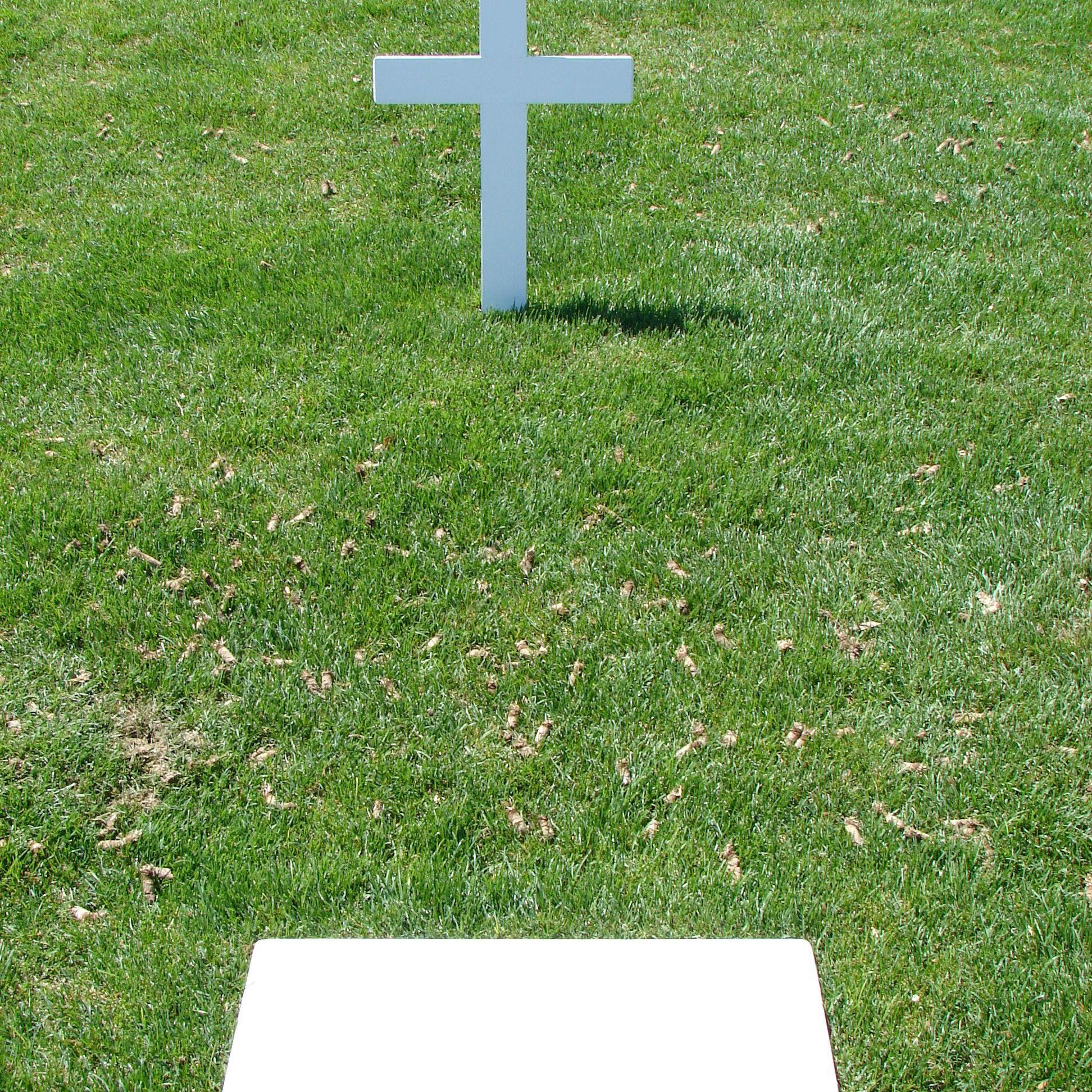 robert kennedy's grave - HD 1944×1944