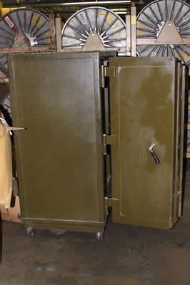 Yawman Amp Erbe Mfg Antique Double Door Safe Class A T20