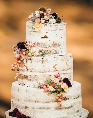 wedding cake ideas   Tulle   Chantilly Wedding Blog floral semi naked rustic fall wedding cake