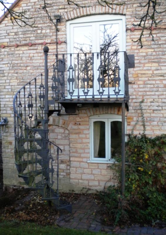 Spiral Staircase And Stairs For Sale In The Uk   Second Hand Spiral Staircase For Sale   Design   Simple   Vertical   Stairway   Easy