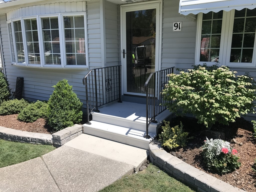 Photo Gallery Precast Concrete Steps And Iron Vinyl Railing | Vinyl Handrails For Concrete Steps