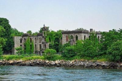 Abandoned Renwick Smallpox Hospital, NYC | Urban Ghosts