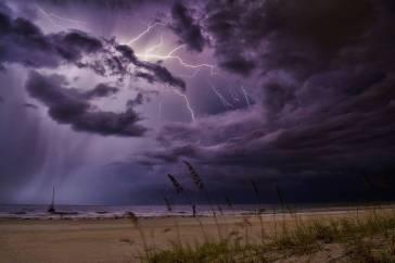 Allerta meteo in 11 Regioni: attenzione a temporali e allagamenti
