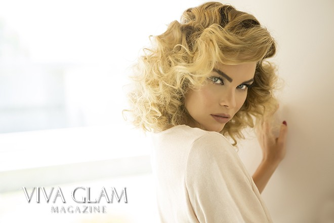 VIVA GLAM MAGAZINE SUPERMODEL KIMBERLY COZZENS PALM SPRINGS 4