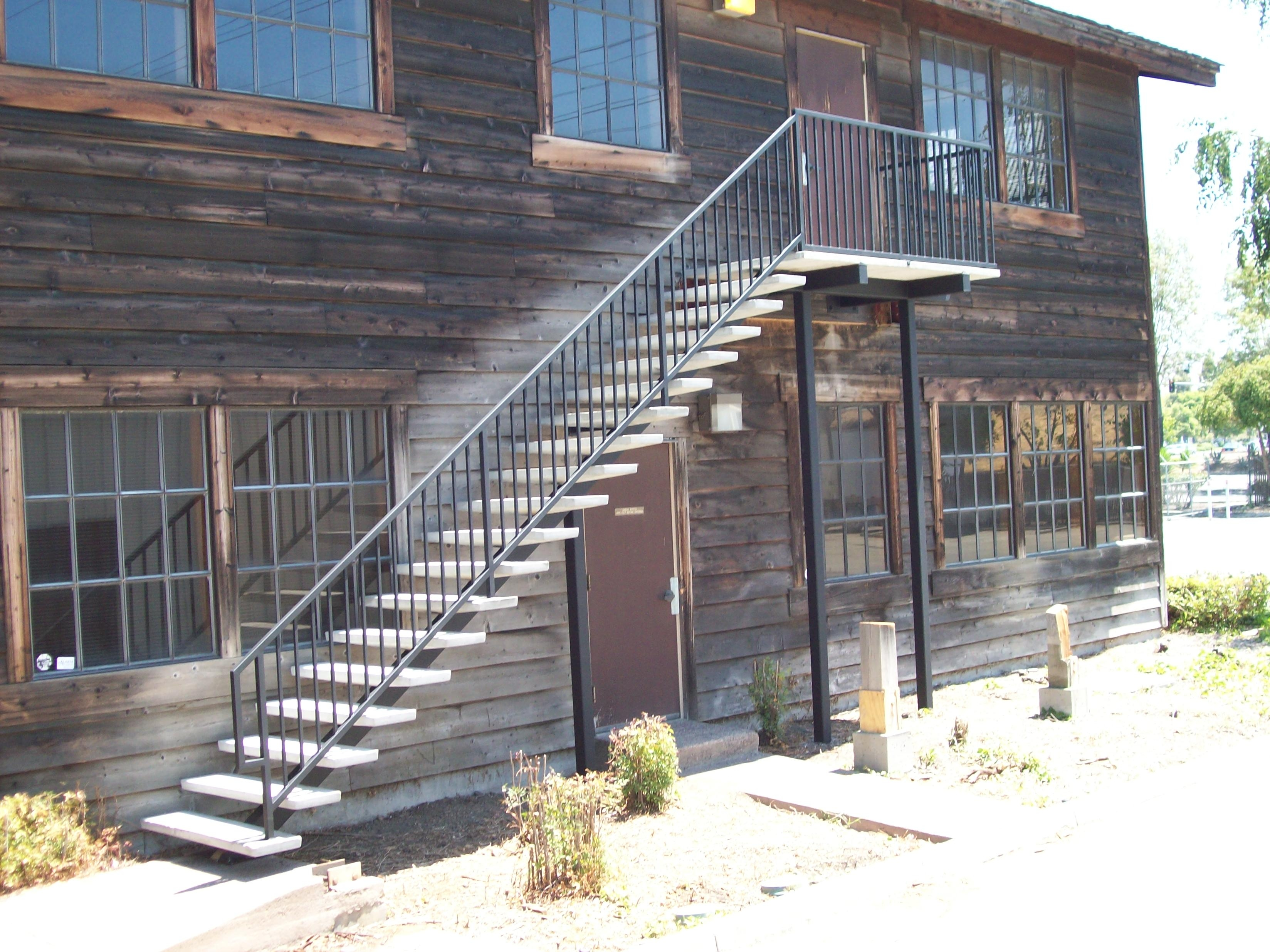 Railings » V M Iron Works Inc In The San Jose Bay Area | Iron Railings For Outside Steps | Front Porch | Deck Railing | Cast Iron | Railing Systems | Staircase
