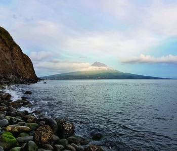 Vertical fishing within the Azores – Sail & Motor
