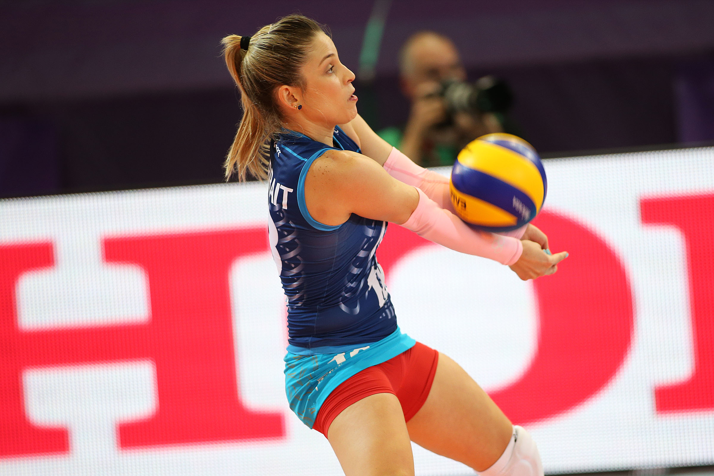 women's volleyball - HD2400×1600