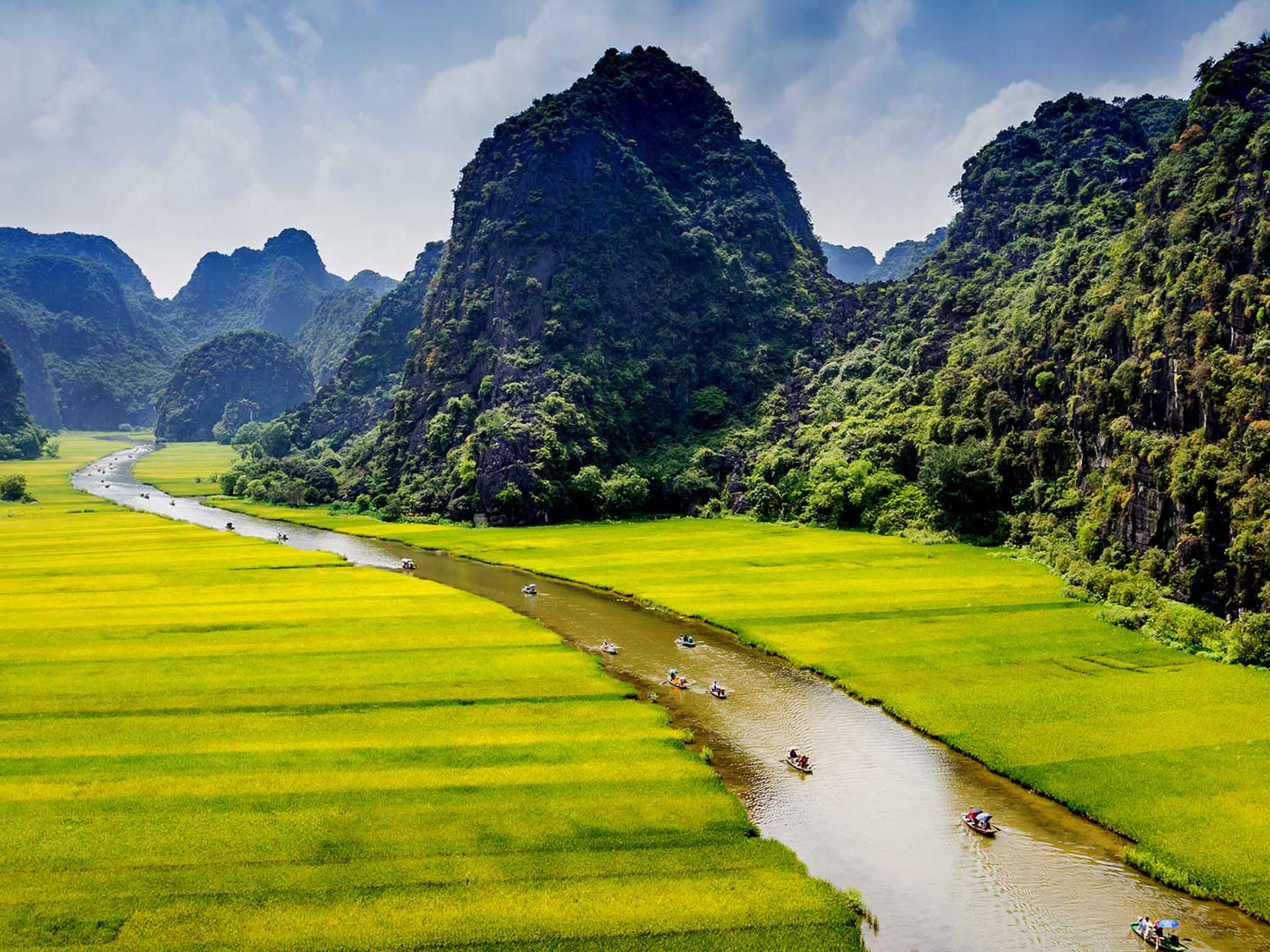 Landscape Mountains With Green Forest River Meadows Ninh