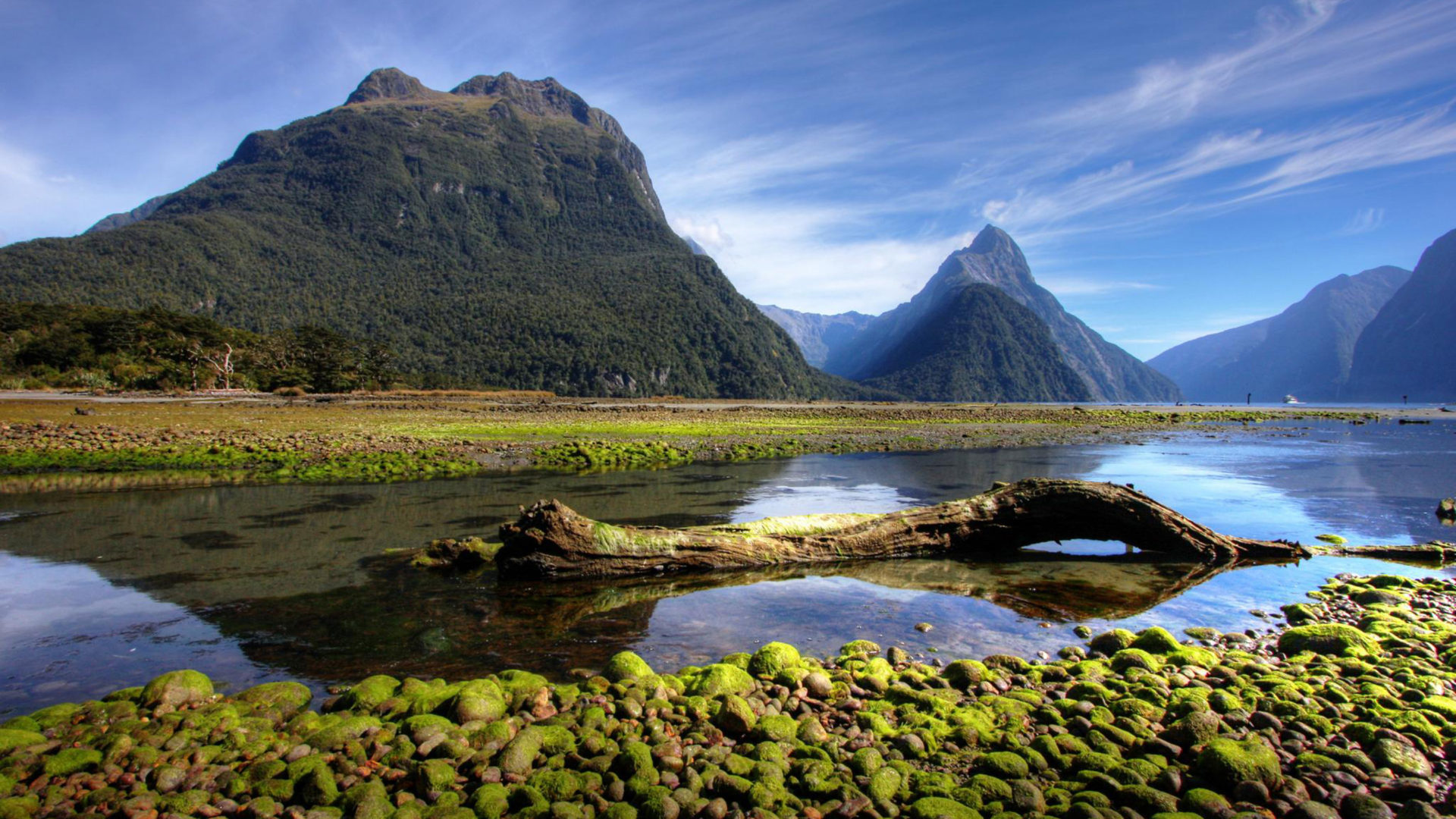 Milford Sound New Zealand Hd Wallpapers For Laptop