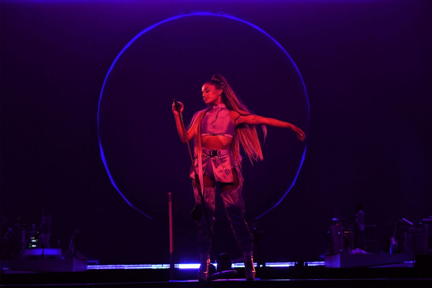 Ariana Grande concert review: She reached the top by ...