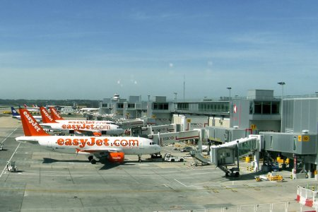 Gatwick airport parking north terminal path decorations pictures map images gatwick airport map northterminal departure lounge lower level north terminal forecourt delays north terminal gatwick i love meet and greet m4hsunfo