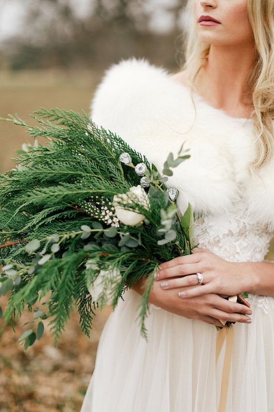 The Best Christmas Wedding Flowers For That Festive Feel Chwv