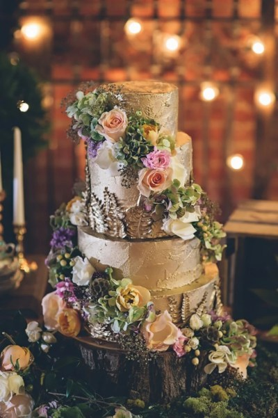 Gold Wedding Cakes | Wedding Ideas By Colour | CHWV