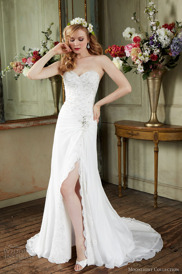 Dress Sweetheart Tulle Line Soft Fit Wedding Flare Embellished Lace Neckline And And