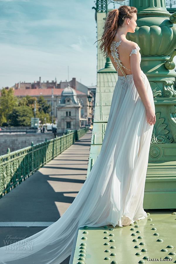Colors Wear Fall Wedding