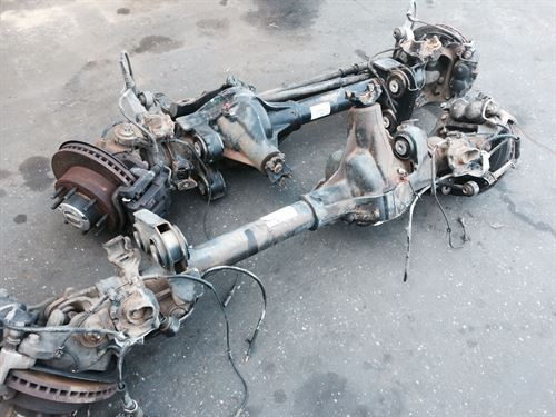 F350 Parts 2000 Front Axle