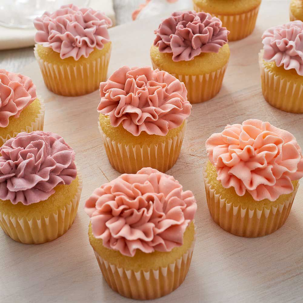 How to Make Icing Carnations   Wilton Mini yellow cupcakes with piped icing carnations