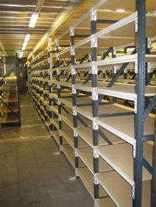 Wire Mesh Shelving wire mesh shelves 1  Use together with palllet racking 2  Weight capacity   1000 2000kg 3  5mm to 14mm galvanized welded mesh