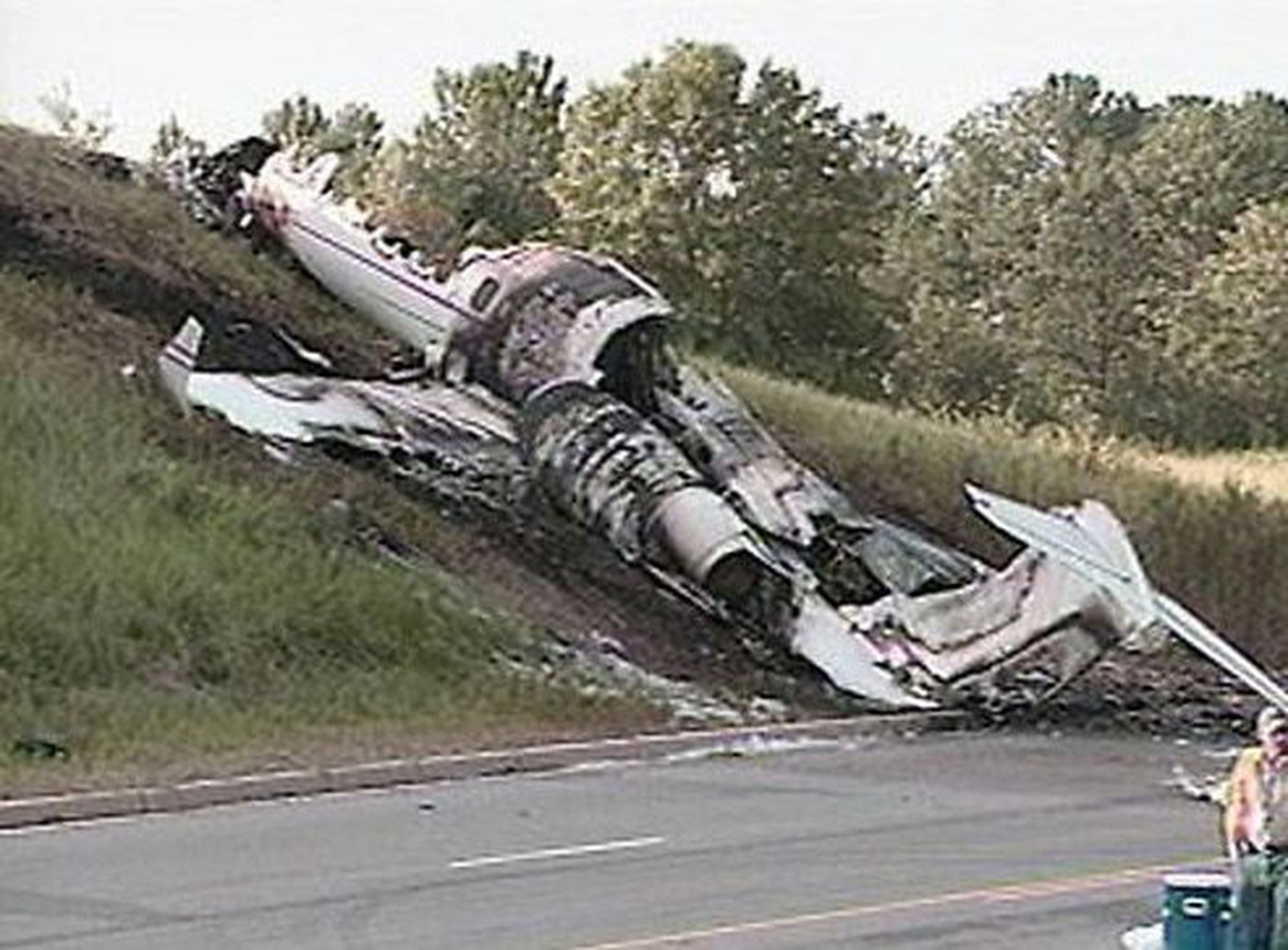 NTSB releases final report on plane crash involving Travis ...