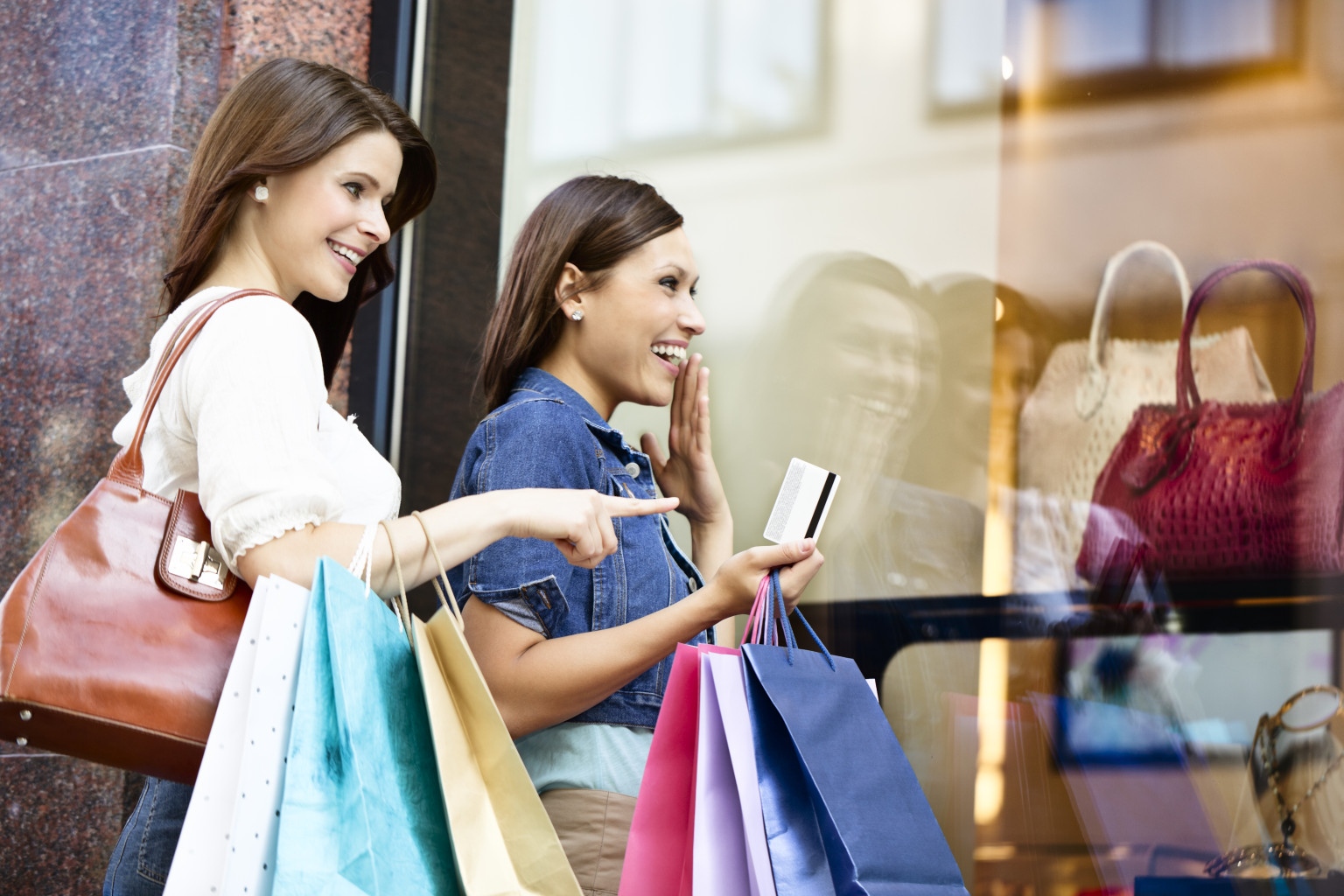 ladies shopping and dining - HD1536×1024