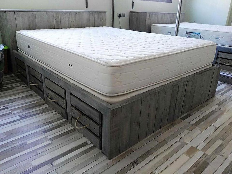 Rustic Look Giant Pallet Bed With Storage Wood Pallet