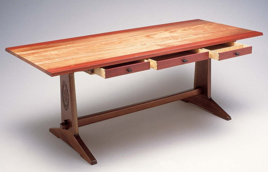 Modern life with old wood furniture     yonohomedesign com wood furniture 1  design and build a diy trestle table XPFPWUA
