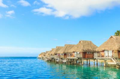 Island Hopping Vacation in the French Polynesian Islands ...