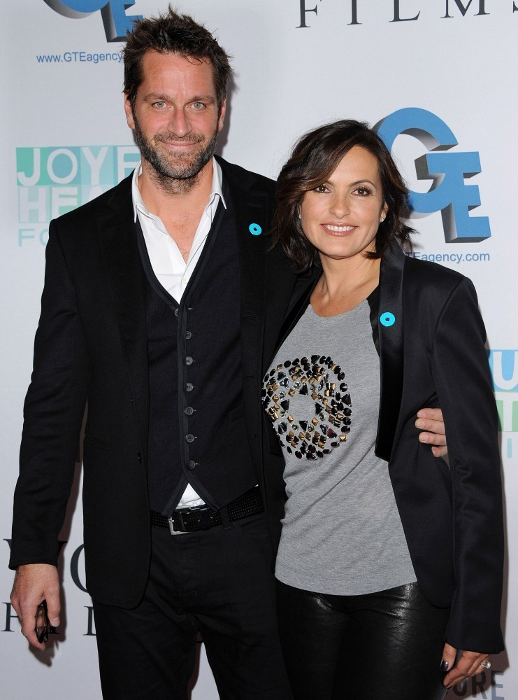 Mariska Hargitay and Peter Hermann Photos Photos ...