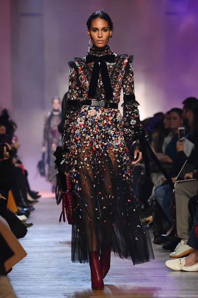 Elie Saab   Runway   Paris Fashion Week Womenswear Fall Winter 2018     Elie Saab   Runway   Paris Fashion Week Womenswear Fall Winter 2018 2019