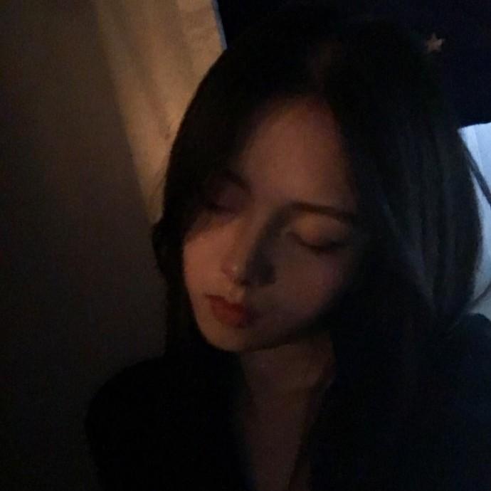 晚安心语爱情180722:我要脑子有什么用,它只会想你