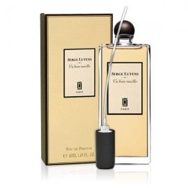 Apa de parfum considerată este foarte blândă, lumină. Atrage femeile cu note de primăvară plăcută. În plus, acest produs selectiv are un design frumos și original. Flake Femeie Parfum este fabricat din alb de zăpadă cu siluetă elegantă.