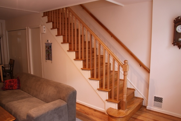 Yeager Woodworking Staircase And Railings   Red Oak Stair Railing   Inside   2 Tone   Beautiful   Color   Two Toned