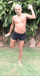 Active spinal extension, hip extension and knee flexion, by Simon Borg-Olivier