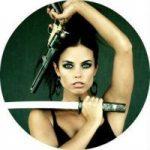 Фотосессия для девушек в военном стиле милитари