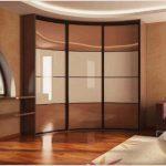 Радиусный шкаф в гостиную — виды моделей, устройство и правила выбора