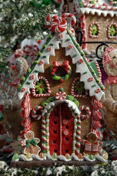 14 Incredible Gingerbread Houses Pretty My Party Party