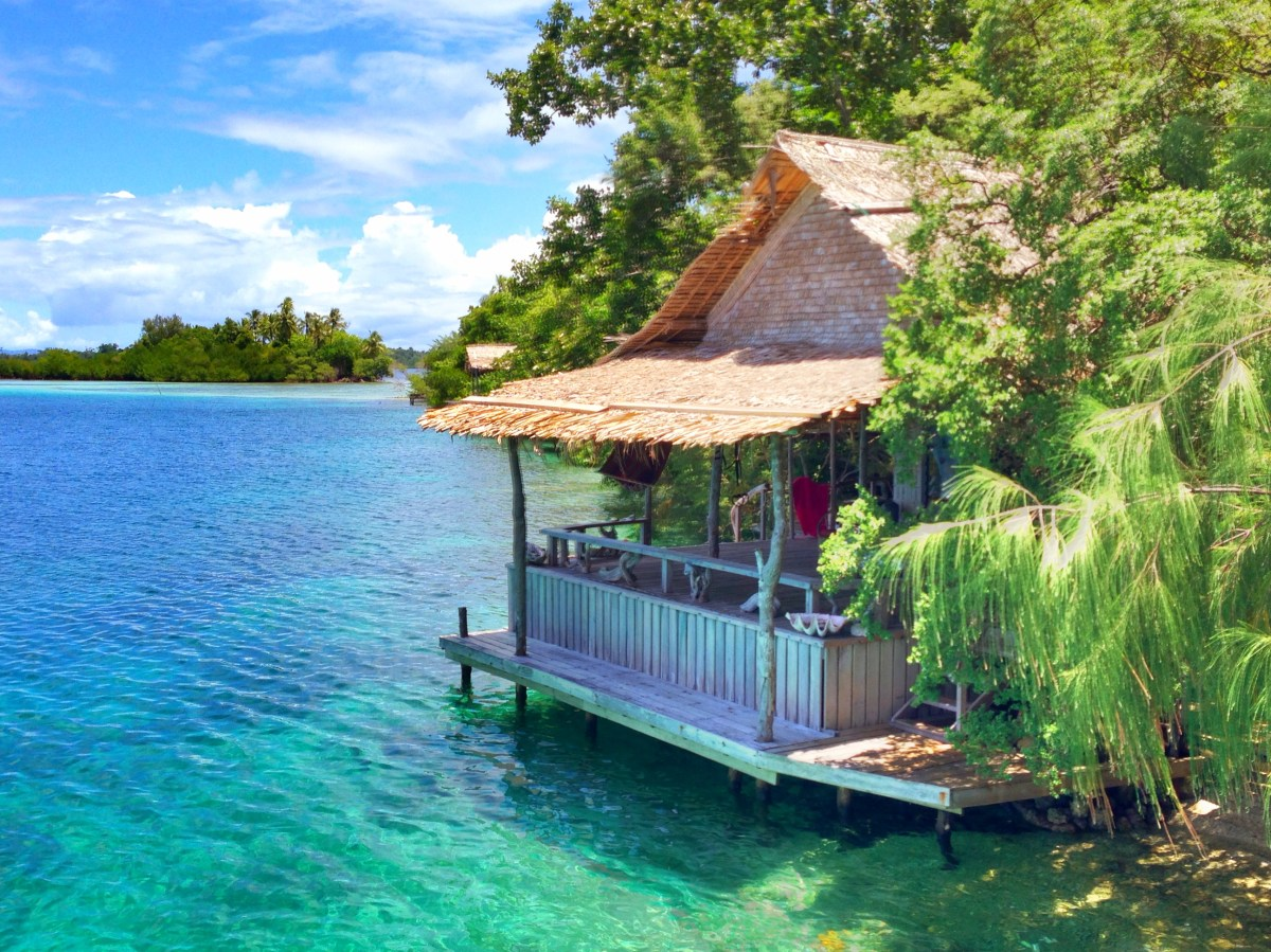 Solomon Islands: Living in the aquarium | Zooming Way Out