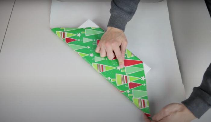 На фото изображено - Как упаковать подарок, рис. Упаковка без скотча