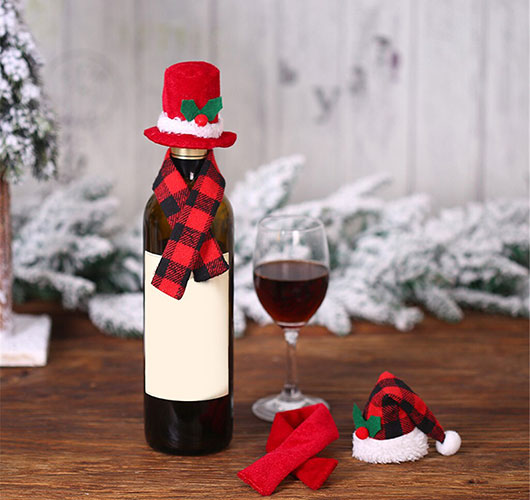 The photo shows - DIY Christmas decorations, fig. Bottle decoration